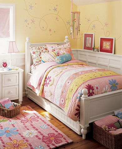 Pink Daisy Garden Bedroom