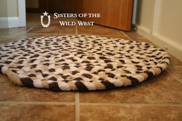 Super Tapete trançado de toalhas velhas | Coisas que Gosto YB39